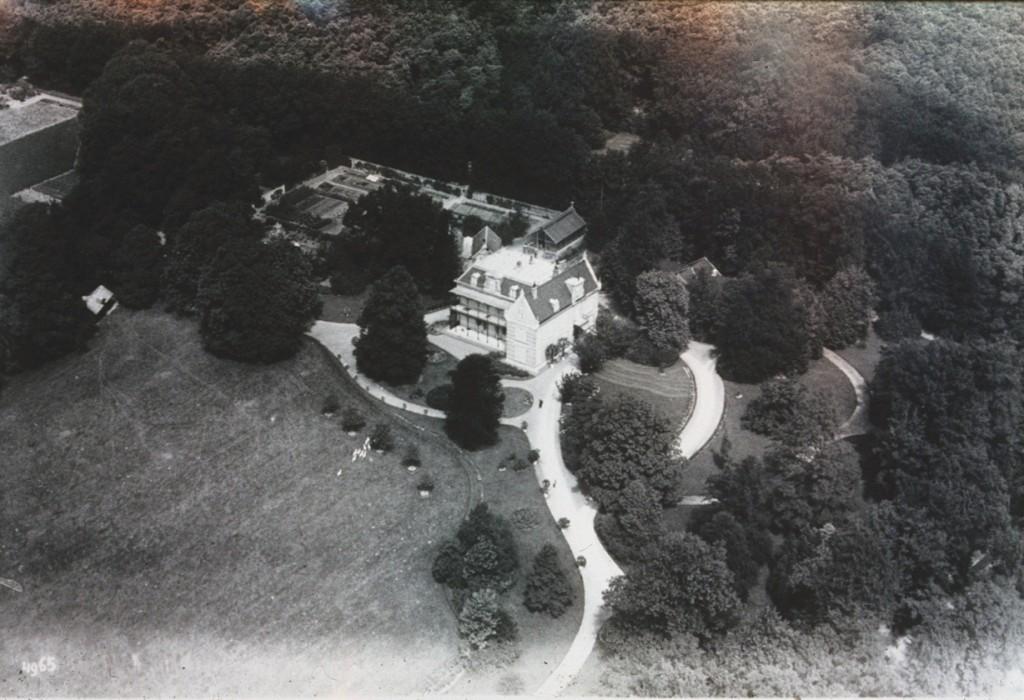 Nog een luchtfoto van de Dennekamp met de fraaie lanenstructuur.