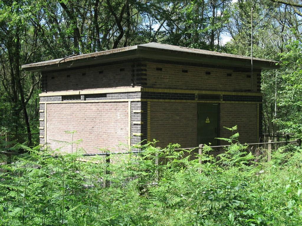 Het transformatorhuisje te Doorwerth.