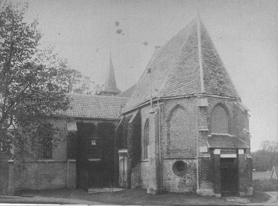 Het kerkje op de heuvel te Doorwerth/Heelsum met in de hoek bij de kerkmuur het graf van de familie Van Brakell.