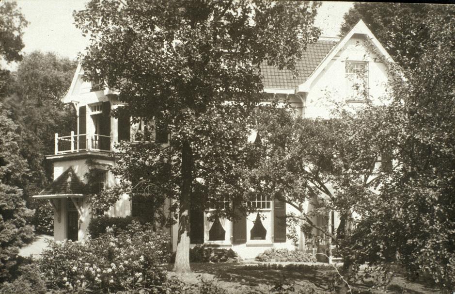 """Huis Vree- Berg"""" aan de Pietersbergseweg vanuit het westen."""
