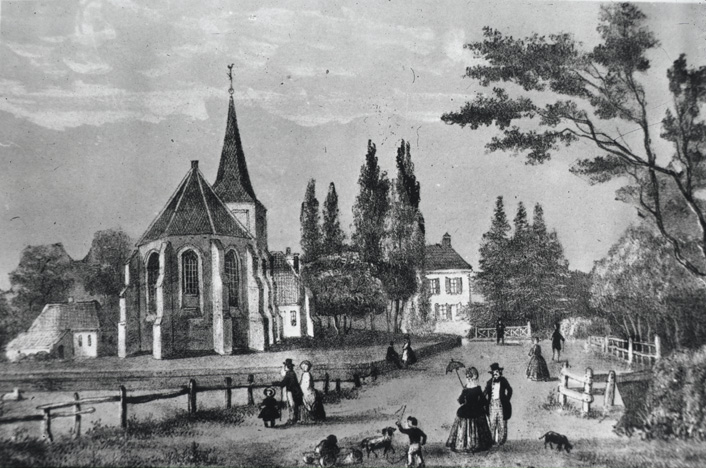 Prent weergevende de situatie rond de Oude Kerk voor 1854. Te zien zijn de in 1854 afgebroken consistoriekamer aan de rechterkant van de kerk, een boerderij die aan de zuidzijde van de kerk lag en, rechts op de achtergrond, de pastorie.