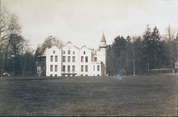 Het derde huis Hemelsche Berg in opdracht van Jan Kneppelhout ontworpen door de architect N. Kamperdijk