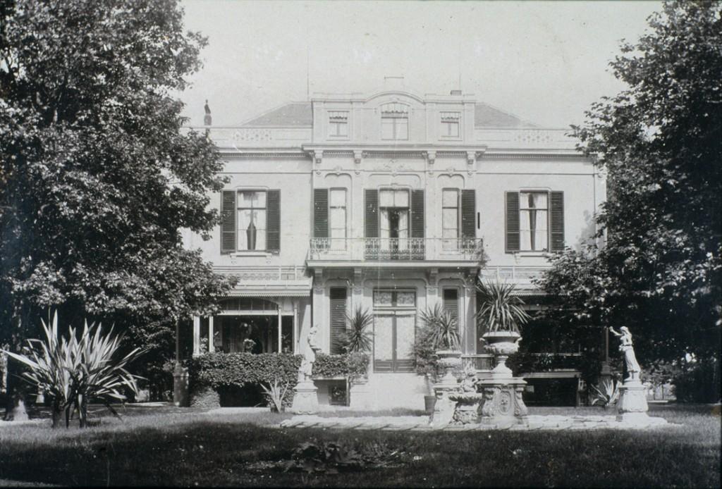 """De achterzijde van het huis """"Hartenstein"""""""
