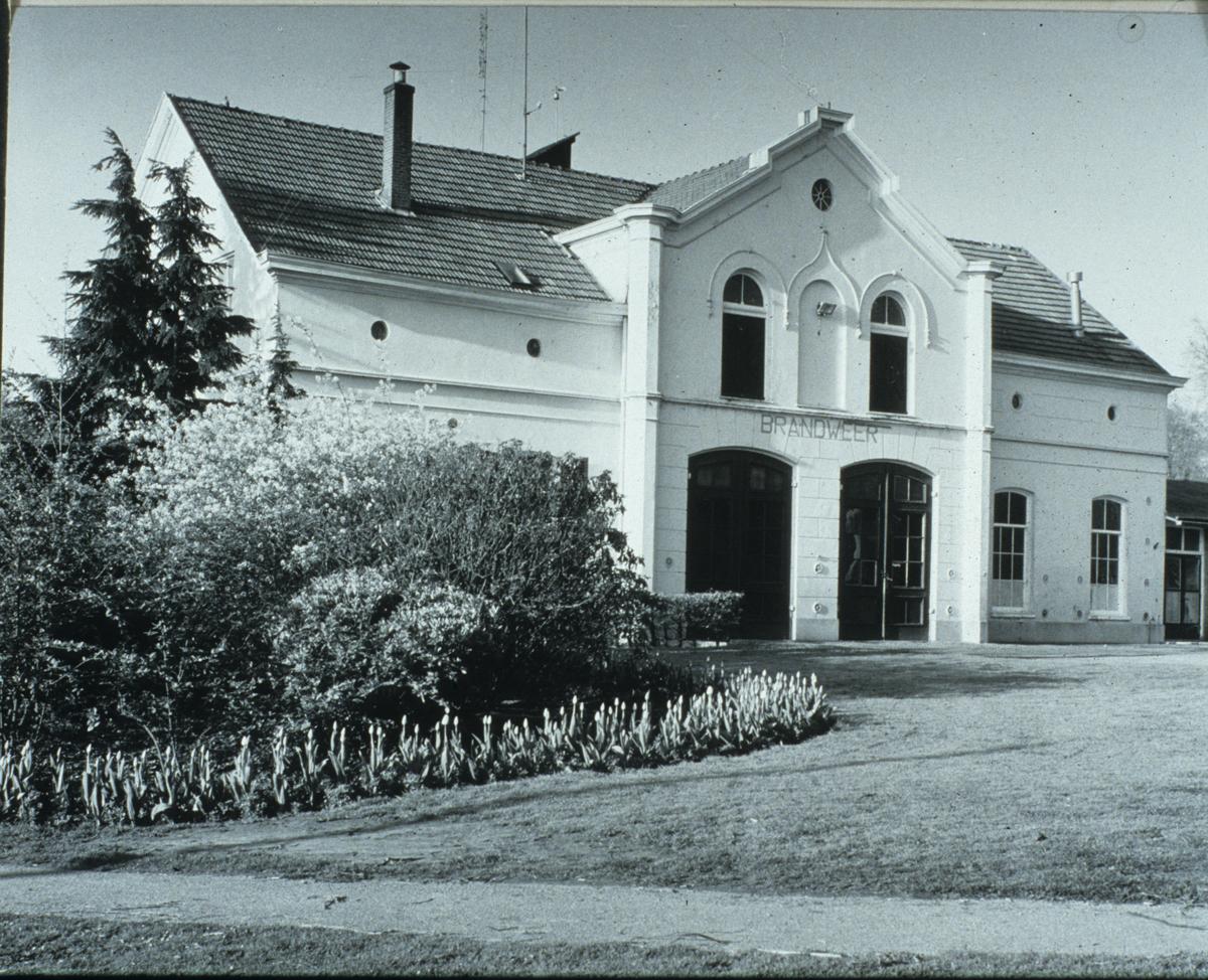In het koetshuis was jarenlang de plaatselijke brandweer gevestigd