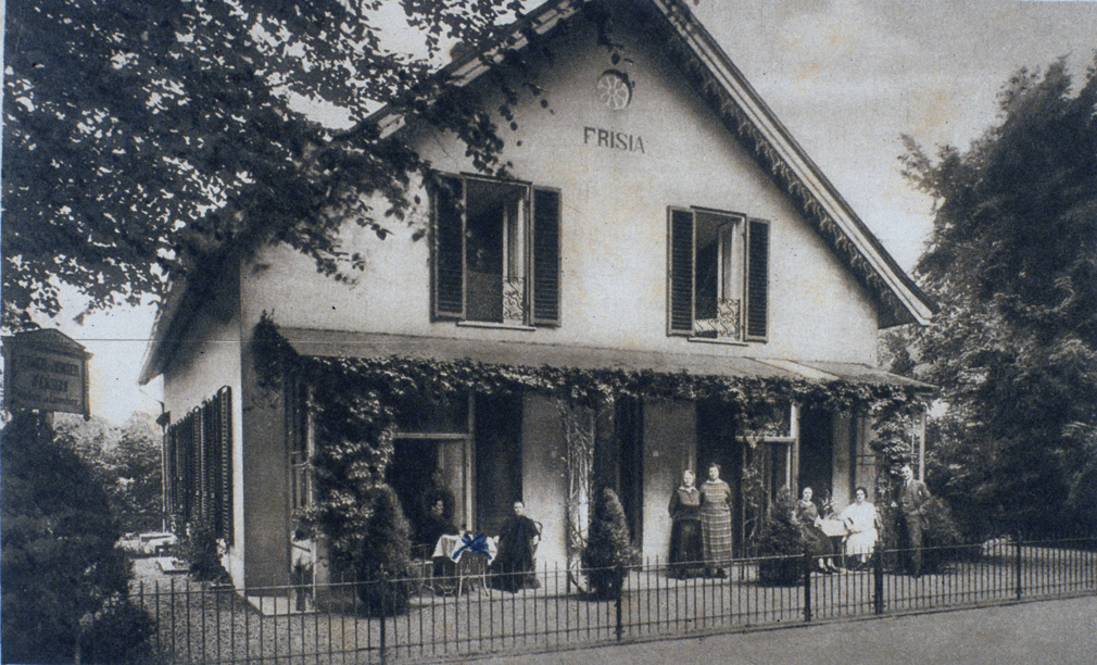 "Pension ""Frisia"", Annastraat 1."