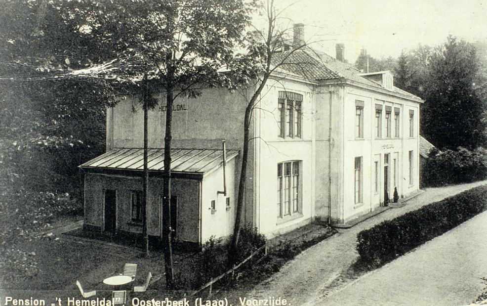 """De voormalige kostschool voor Jonge Heren, """"Hemeldal"""" werd in later tijd het pension """"Het Hemeldal"""""""