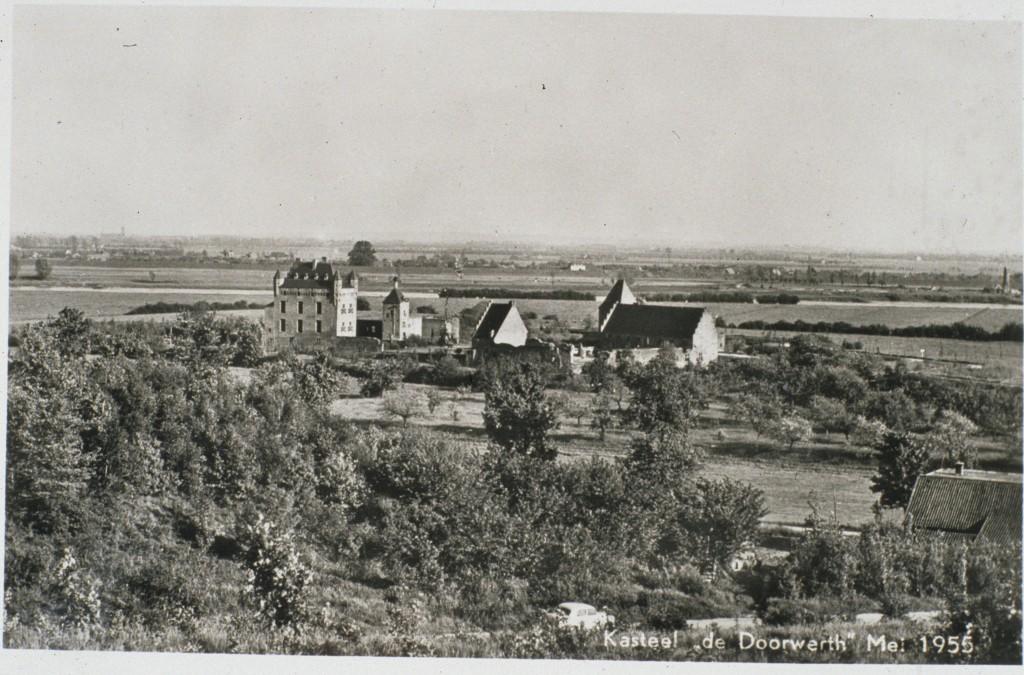 kasteel Doorwerth vanaf de Boersberg. Situatie 1955