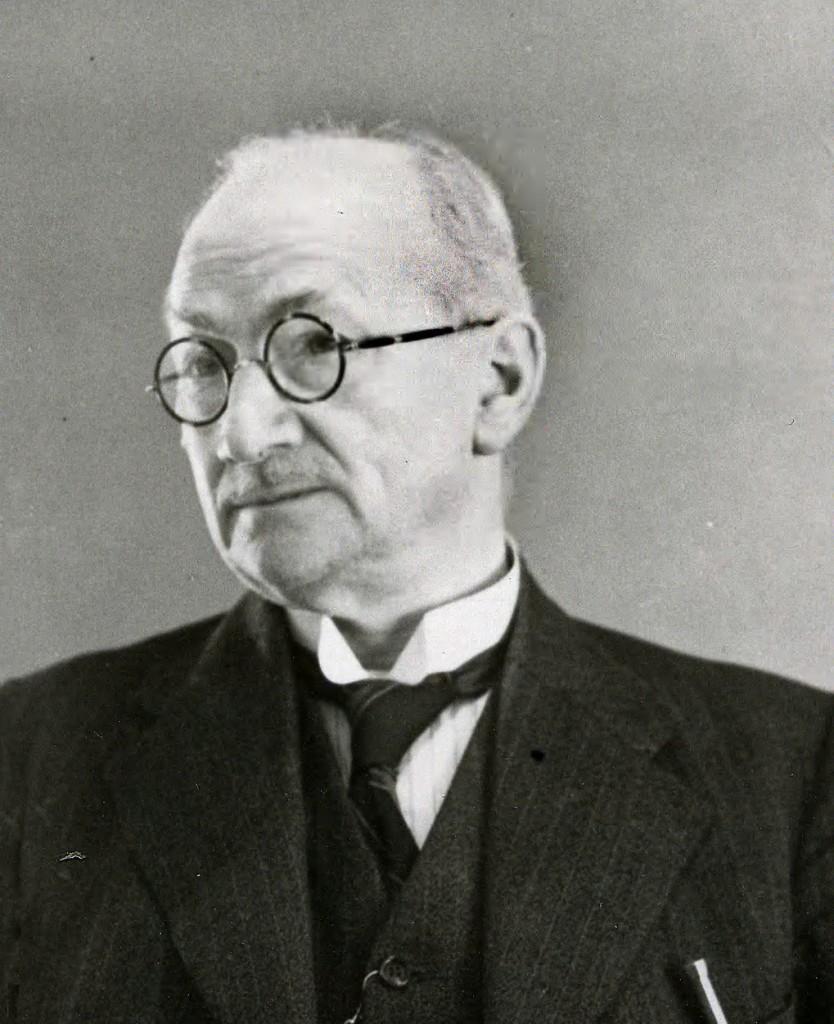 De hotelier van Schoonoord, vader van Hendrika van der Vlist, J. van der Vlist.