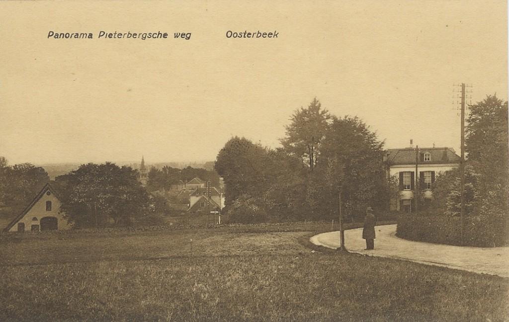 """Bocht bij huize """"de Pietersberg"""". Rechts de villa """"Rijnheuvel"""". Midden, behuizing aan de Bildersweg."""