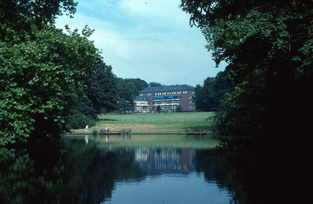 Het vierde huis Hemelse Berg, de kraamkliniek in later jaren verzorgingstehuis.