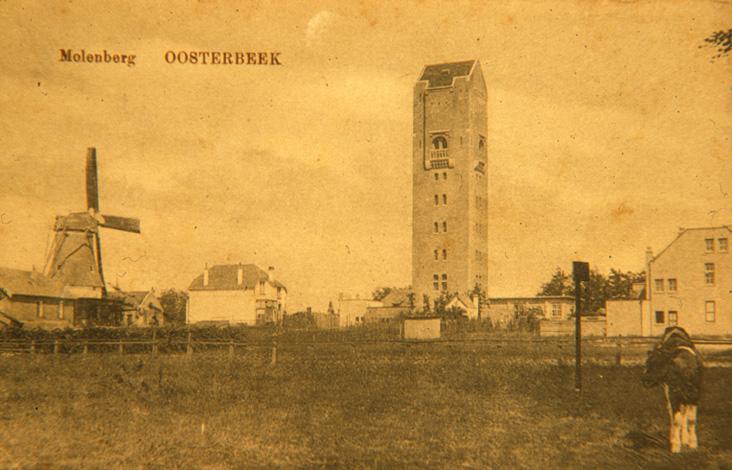 W0132 Molenweg (Tweede Molenberg) met watertoren Oosterbeek