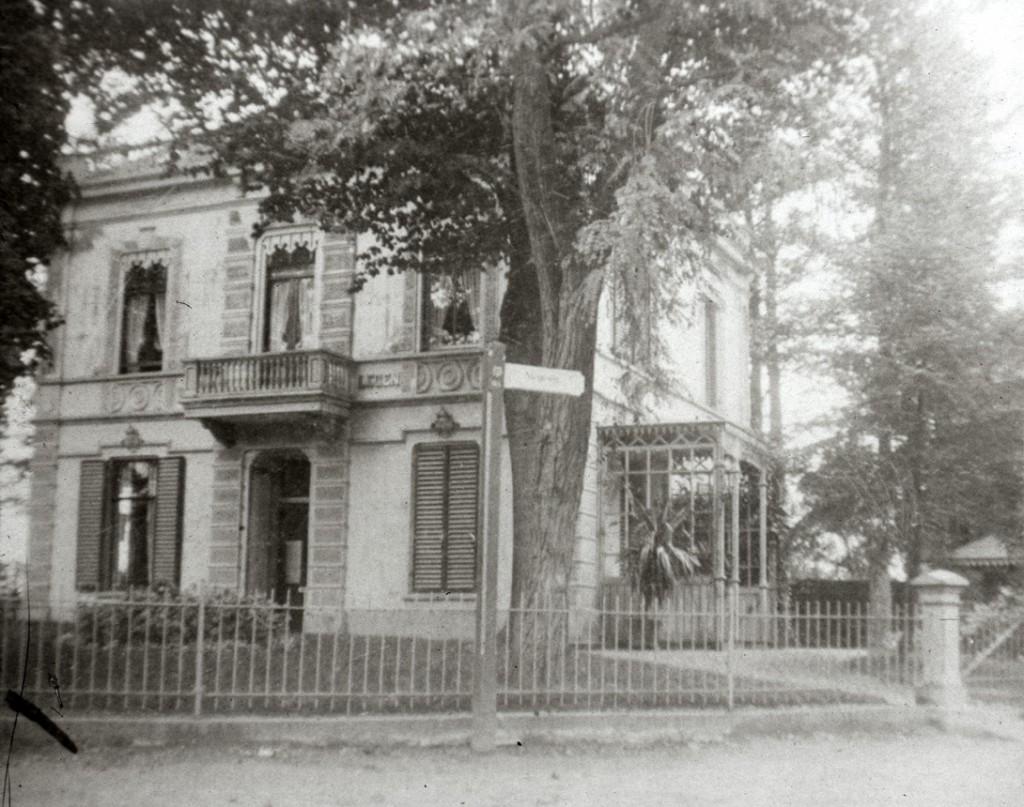 """De voormalige villa """"Welgelegen"""", nu """"Eureka""""."""
