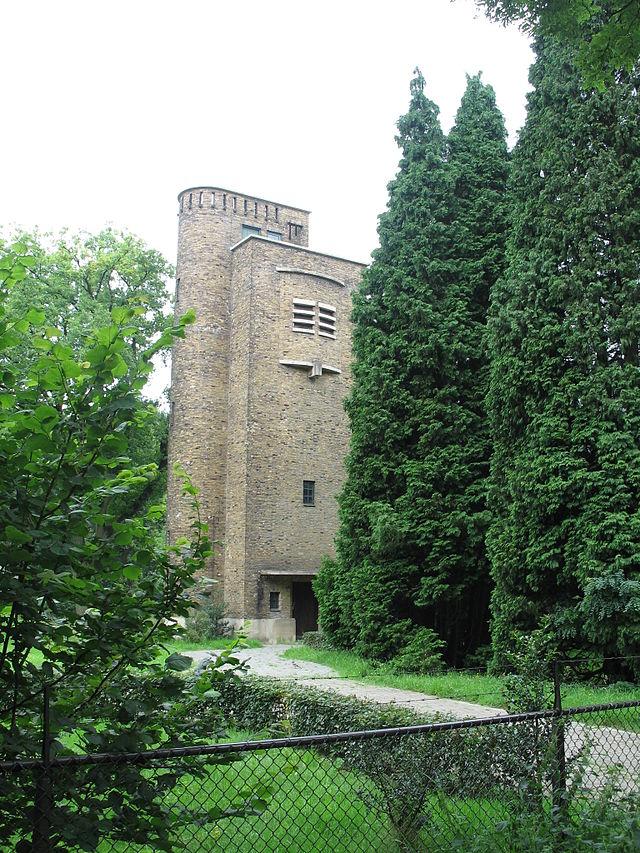 De watertoren aan de Spechtlaan te Doorwerth.
