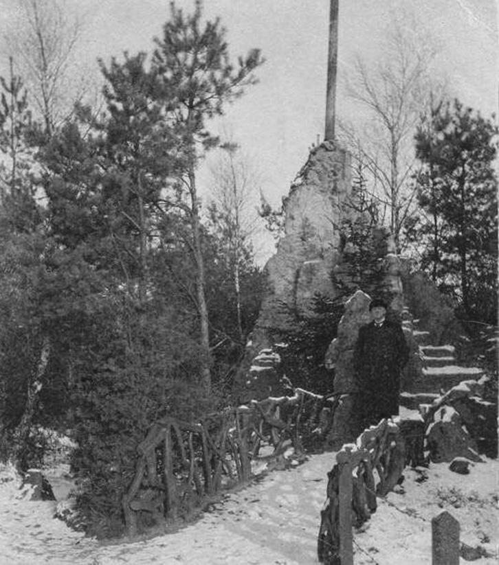 """De aeolusharp van de """"Sonnenberg"""". Foto rond 1900."""