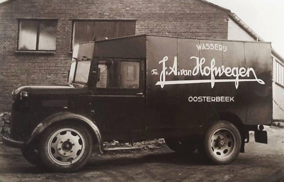 De bestel-vrachtwagen van Hofwegen.