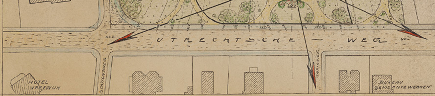 """Geheel links """"Quatre Bras"""" met rechts daarvan onderstaand afgebeelde villa."""