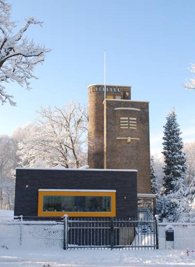 De watertoren als onderdeel van de huidige woning.
