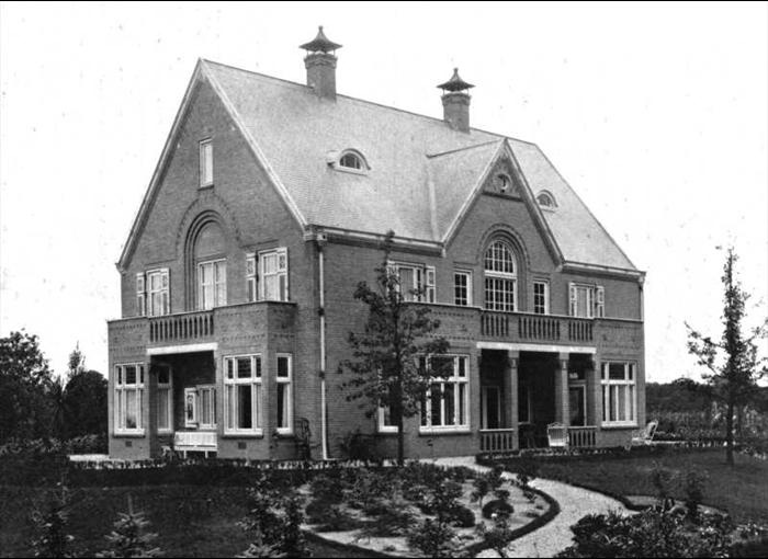 """Huis """"Svaco"""" in opdracht van V. Carstens in 1912 gebouwd naar een ontwerp van de architect Johannes Mutters."""