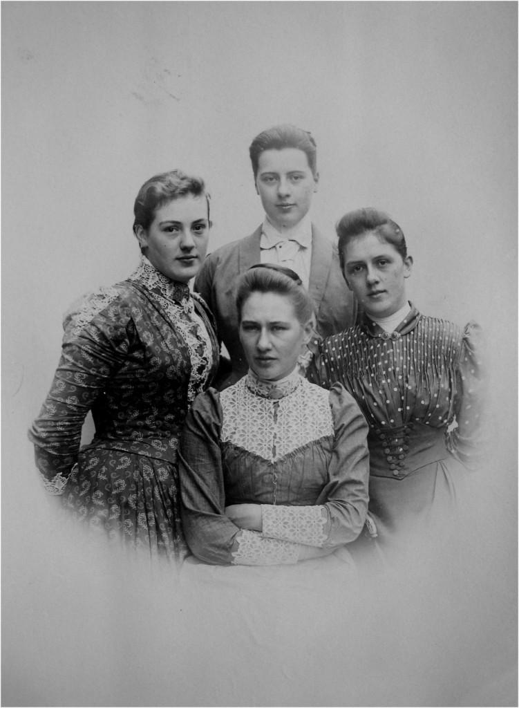 De vier dochters van Willem Pieter Wolterbeek e.e.