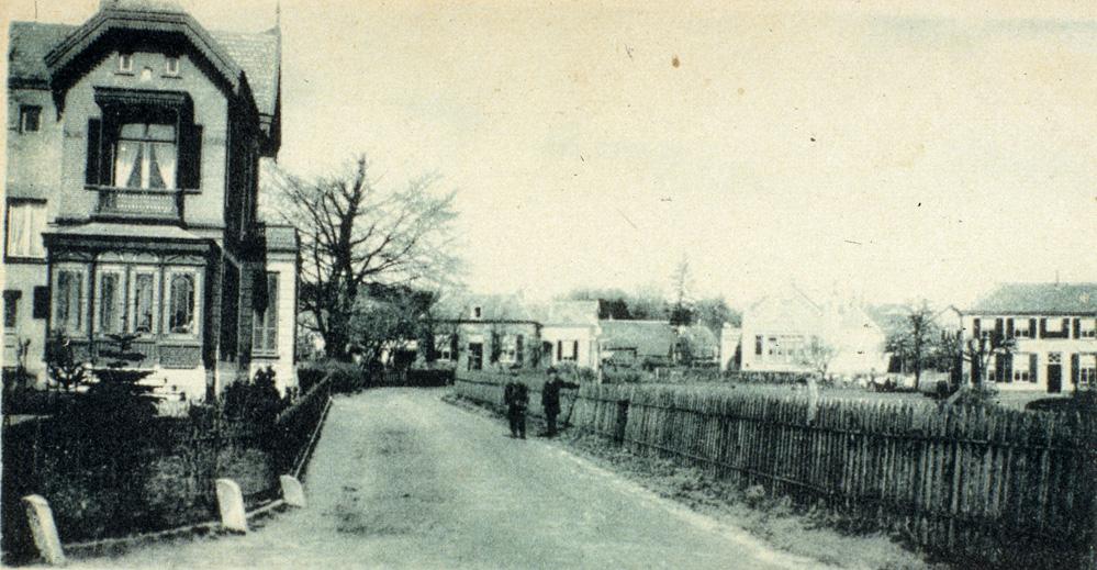 Kruispunt Weverstraat- Benedendorpsweg in noordelijke richting gekeken.