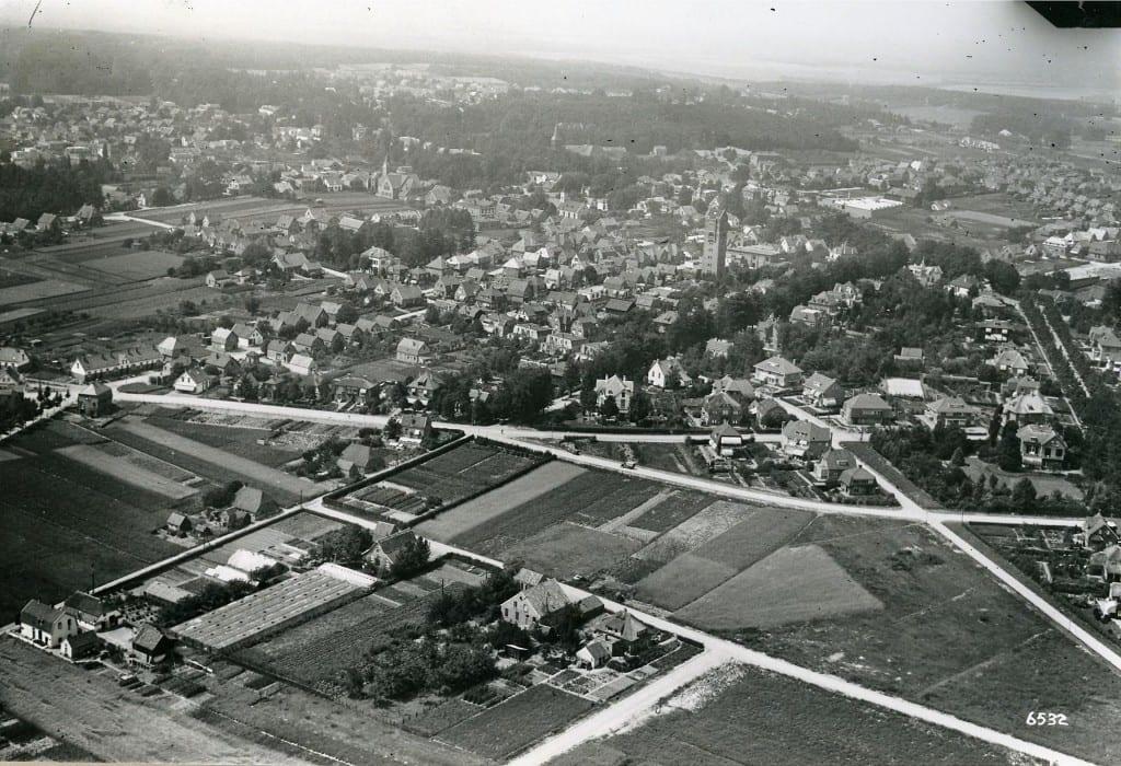 Luchtfoto van de omgeving van de Molenweg.
