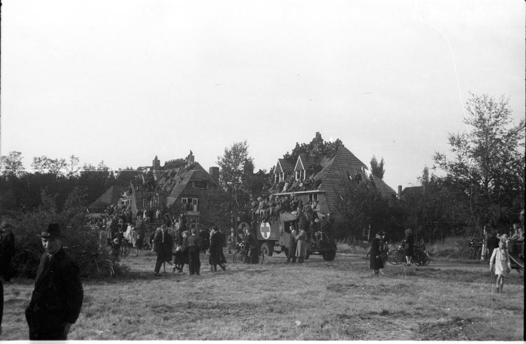 Eerste steenlegging Airborne-monument 1945.