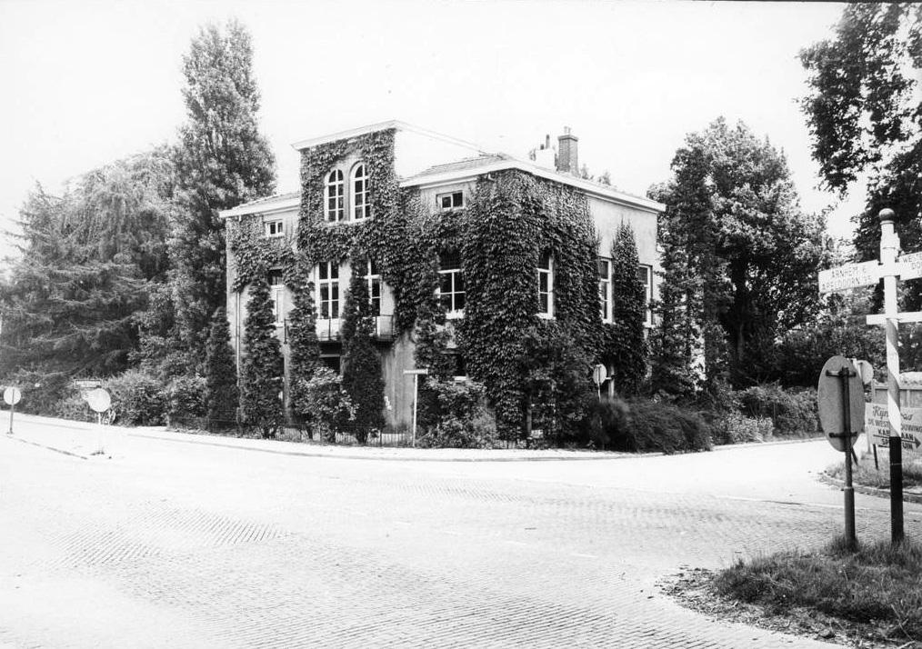 """Huis """"Schoonzicht"""", gebouwd in 1870."""