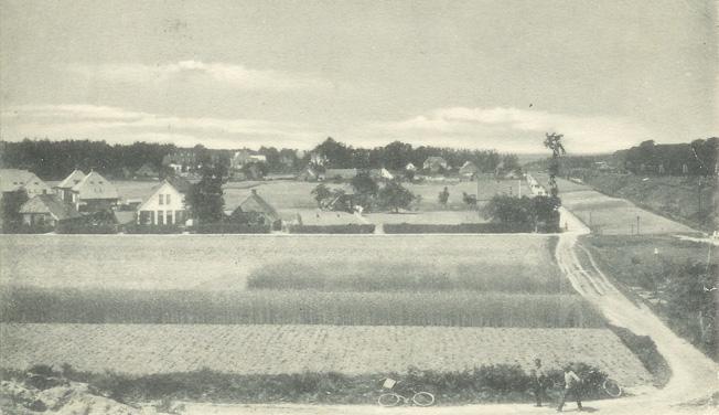 Van beneden naar boven: Taludweg en Lebretweg nabij de Parallelweg. Op de achtergrond de bebouwing aan de Stationsweg.
