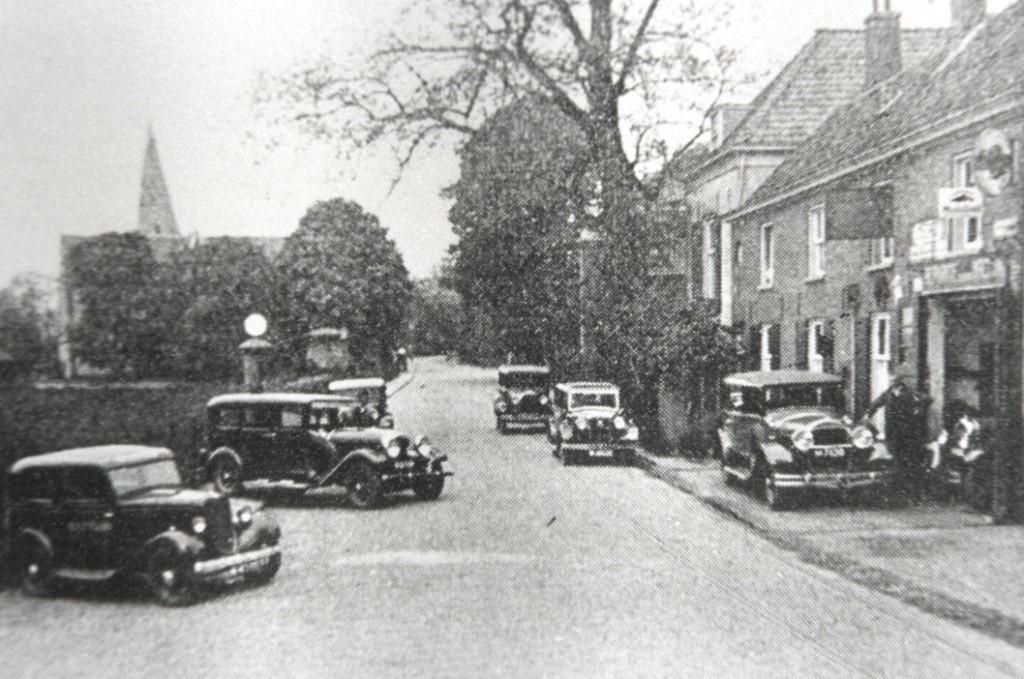 De garage Klaassen rond 1925.