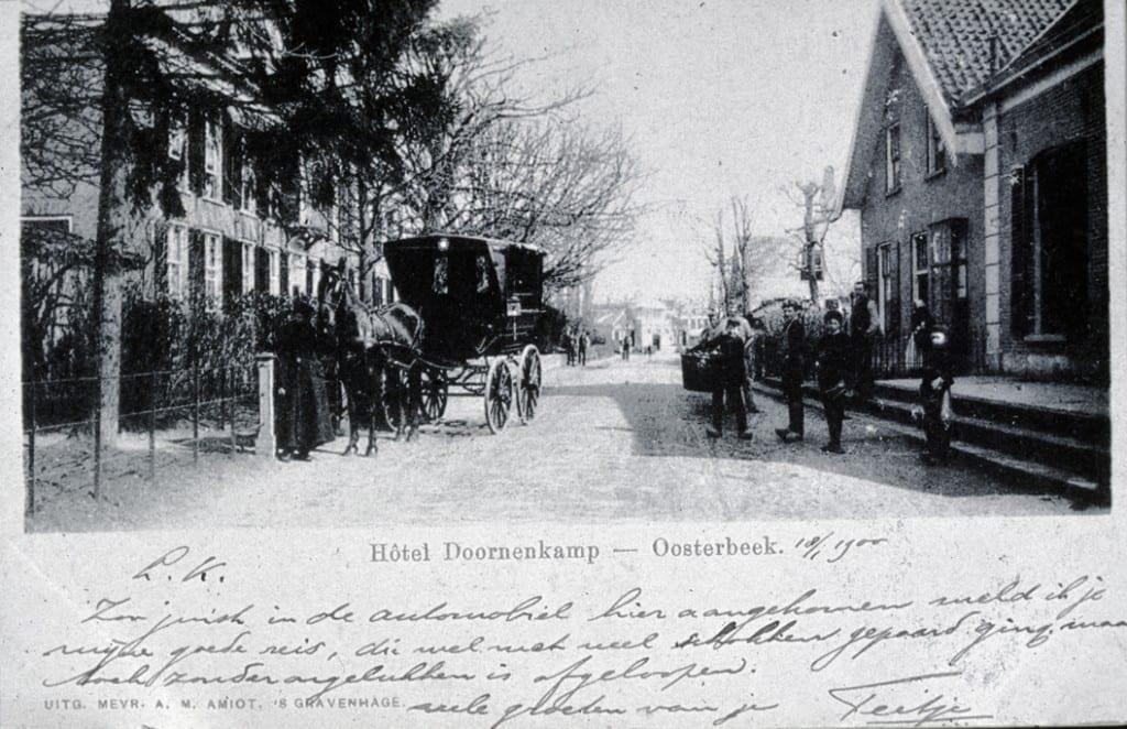 """Het eerste grote hotel in Oosterbeek """"de Doornenkamp"""" aan de Benedendorpsweg."""