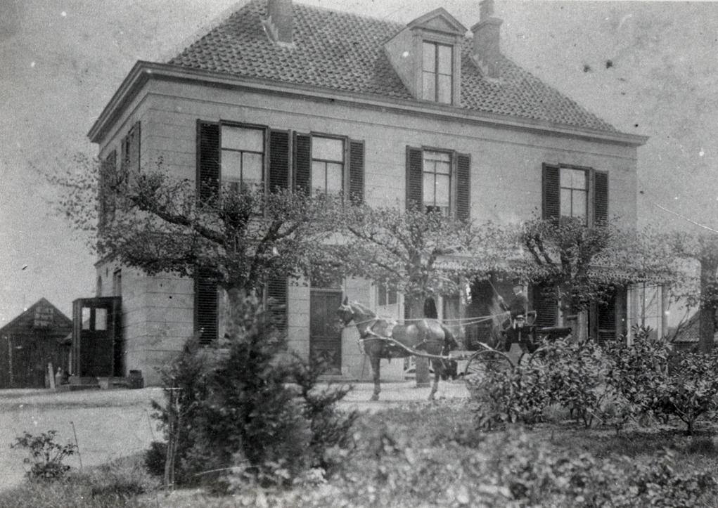 Stalhouderij Aalbers aan de Stationsweg nabij Station Oosterbeek- Hoog.