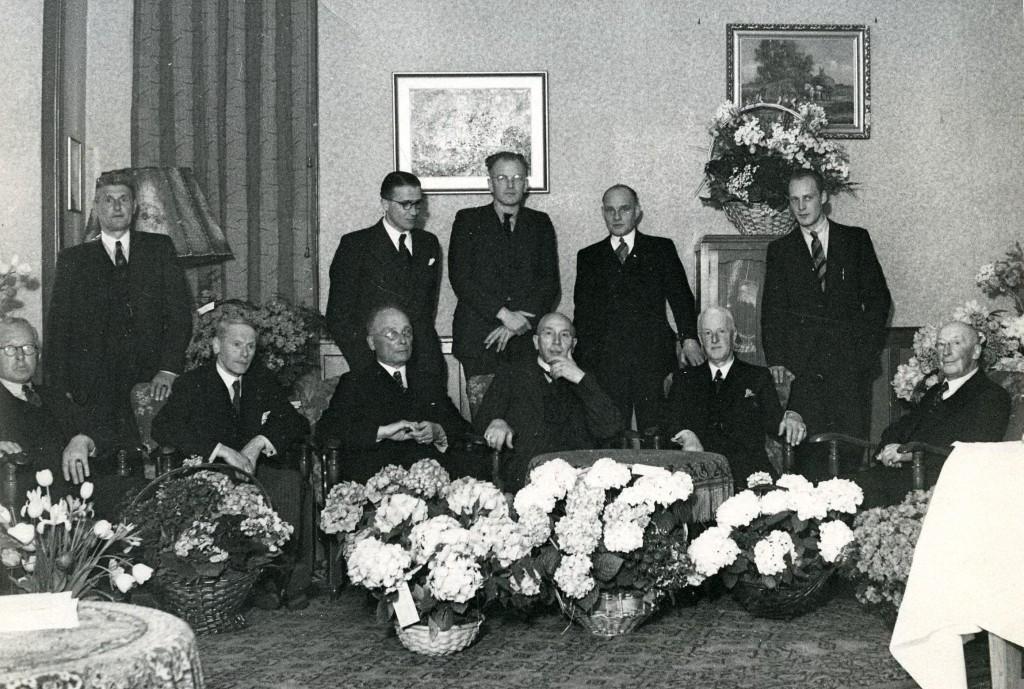 In 1948 bestond de OVV 50 jaar en werden zij door burgemeester Talsma gefeliciteerd.