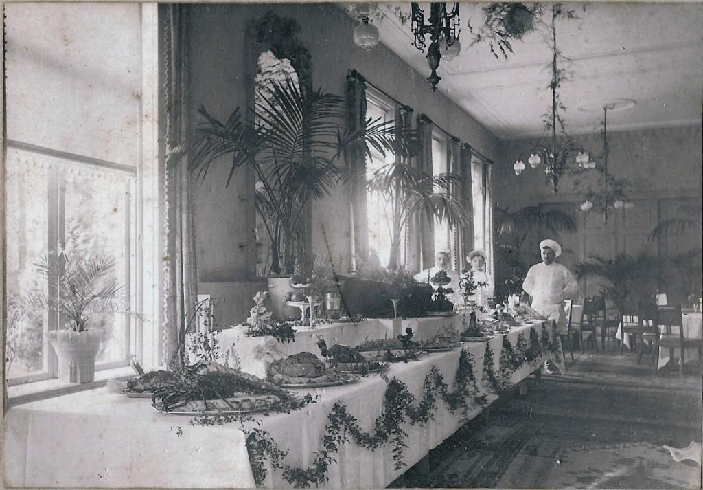 Het restaurant van hotel de Tafelberg rond 1910