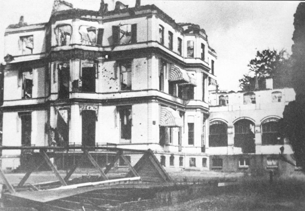 Oranje Nassau's Ooord met oorlogsschade ., reden om niet tot herbouw over te gaan.