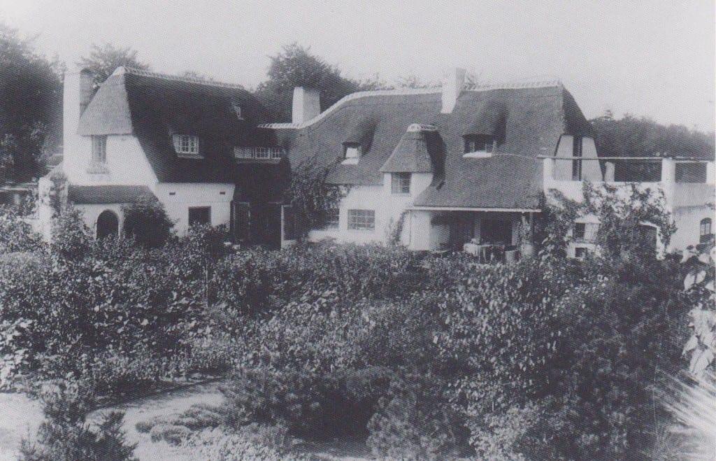 De noordzijde van het huis, gefotografeerd vanaf de Dr. Boeslaan.