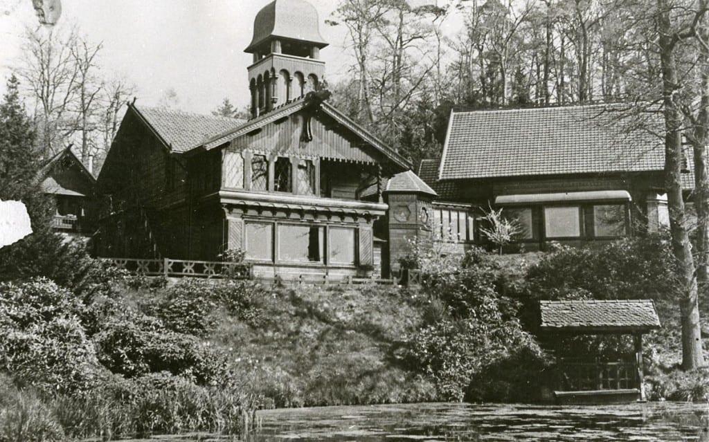 Het Jagershuis vanuit het zuiden na aanbouw van de toren.